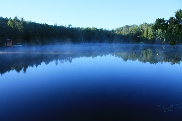 photo of Herridge Lake with morning mist