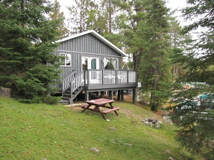 cottage six from outside showing sundeck